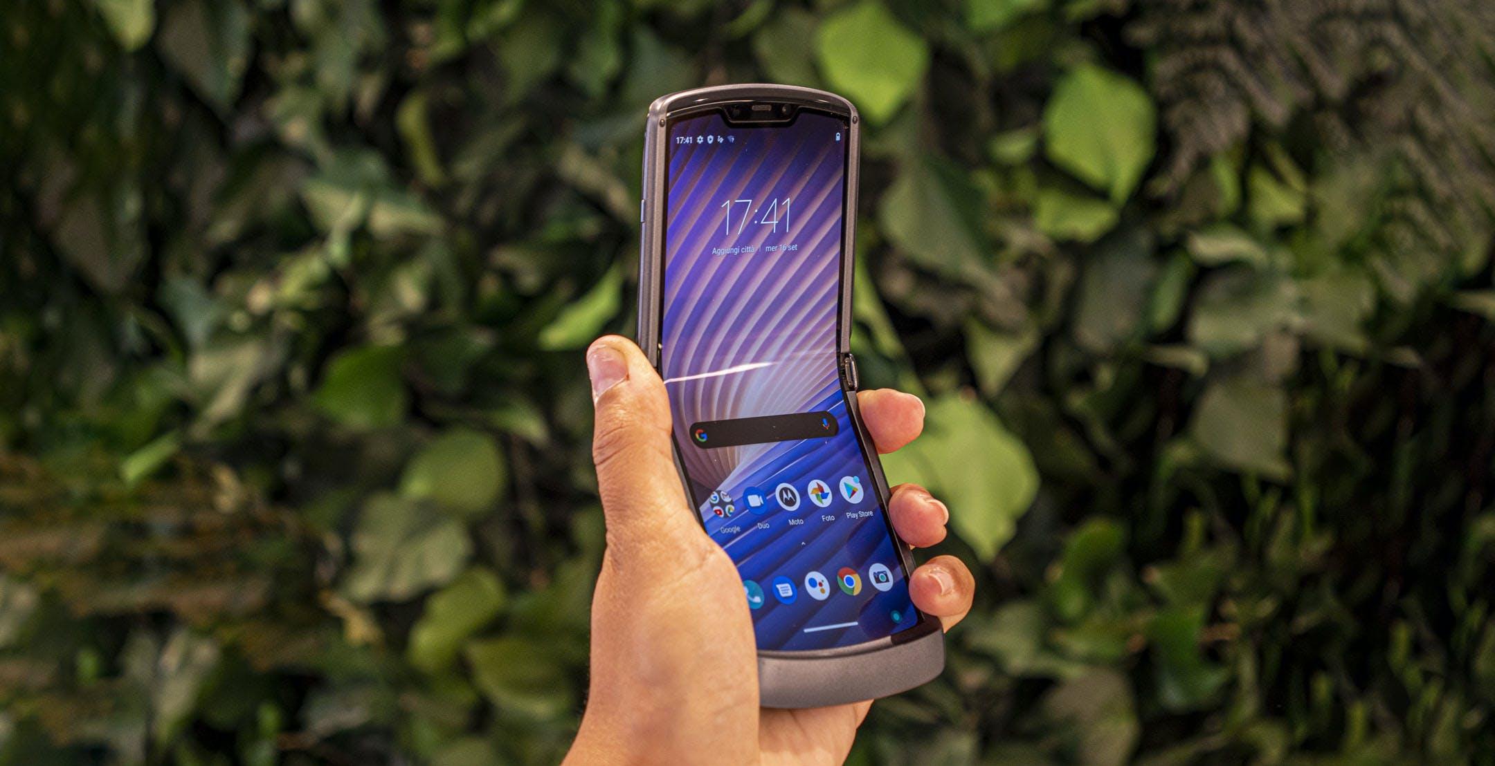 Il nuovo Motorola Razr 5G è lo smartphone pieghevole giusto con il prezzo sbagliato