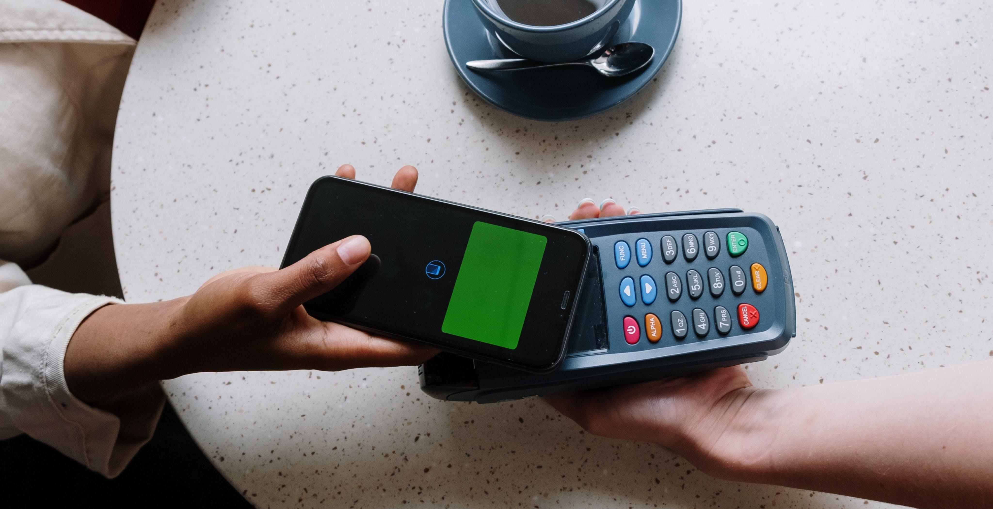 L'UE potrebbe obbligare Apple ad aprire l'NFC ai sistemi di pagamento terzi