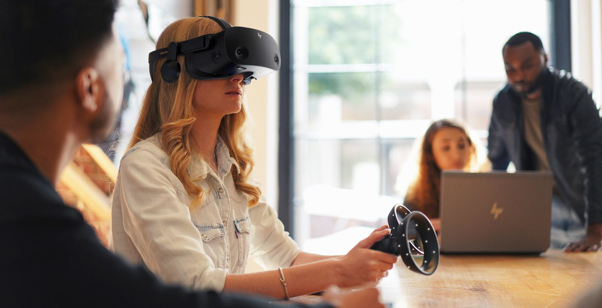 Le spedizioni del visore VR HP Reverb G2 partiranno ad inizio novembre
