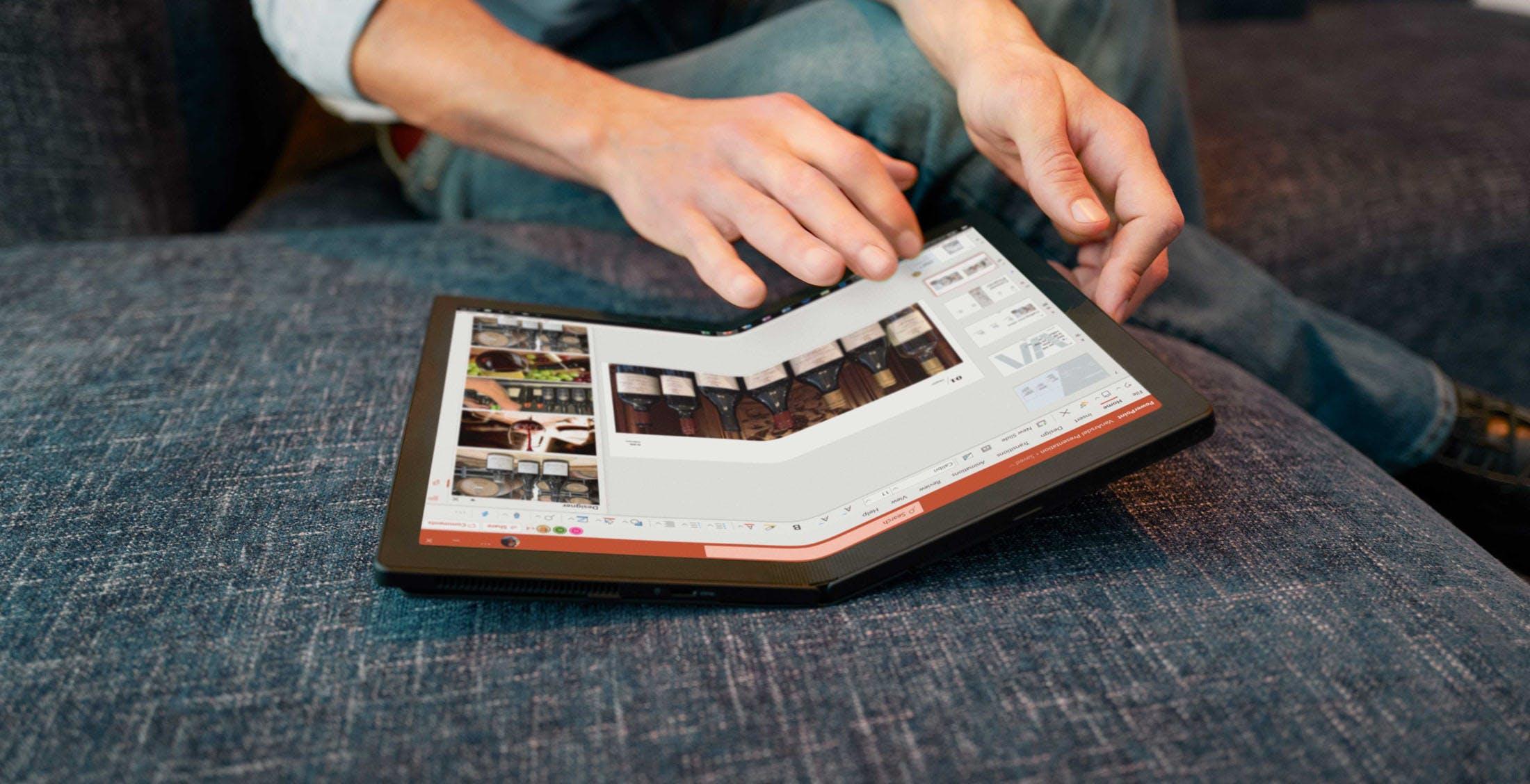 Il notebook pieghevole Lenovo ThinkPad X1 Fold può essere ordinato da oggi a 3500 euro