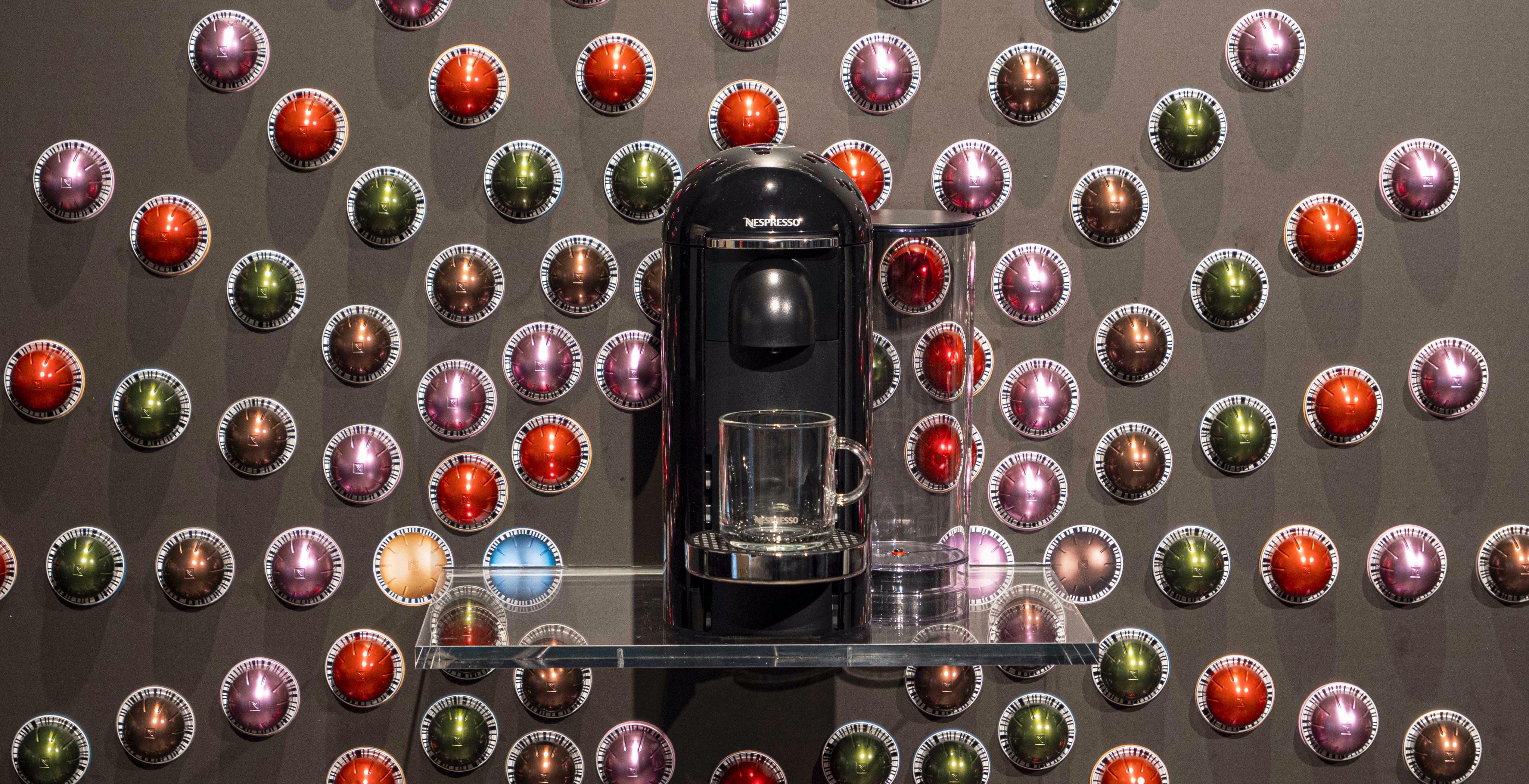 """Nespresso Vertuo, capsule a 7000 giri per un caffè con schiuma super. Nespresso: """"Espresso perfetto grazie al codice a barre"""""""