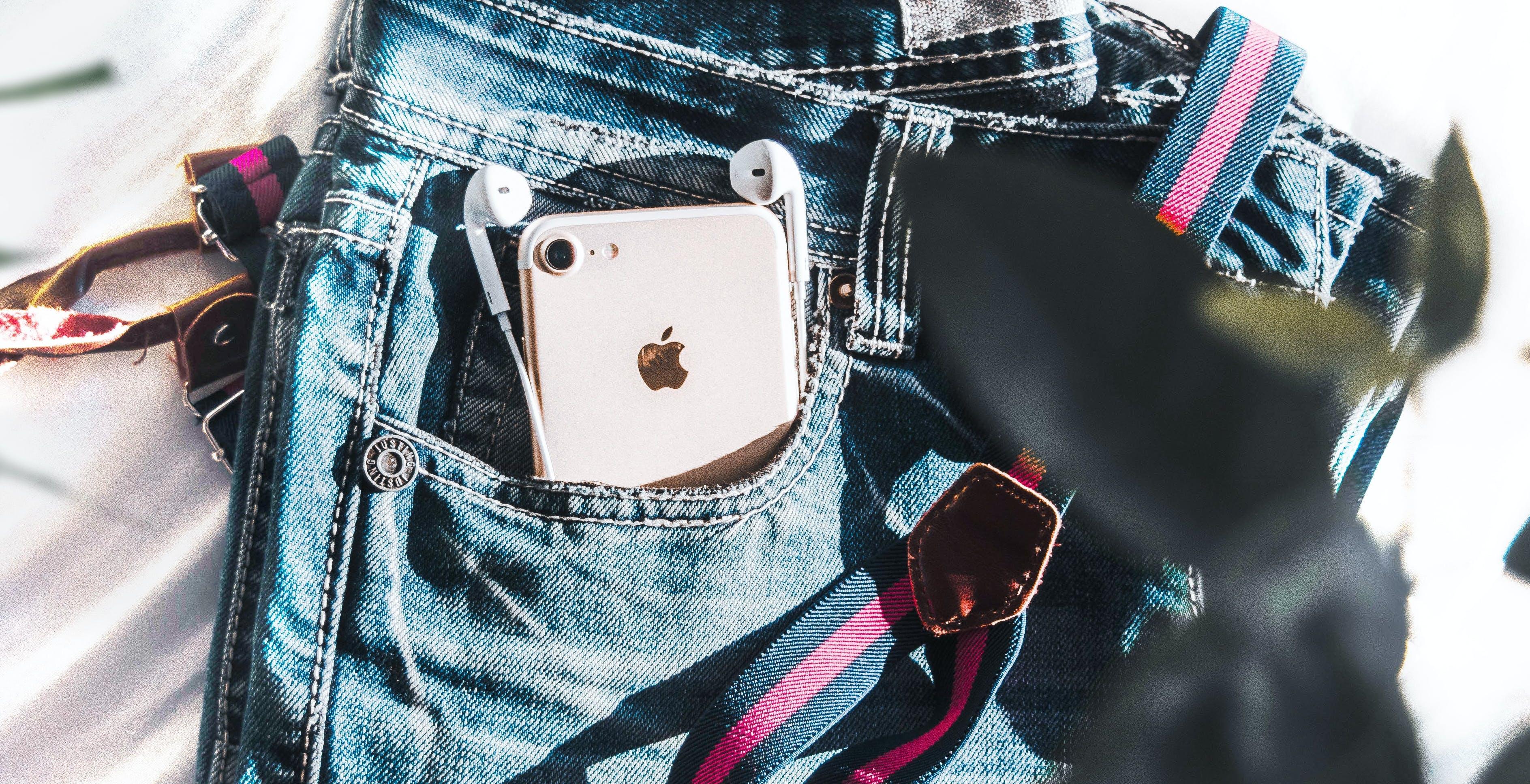 iPhone 12 arriverà senza cuffie in dotazione: nuove conferme