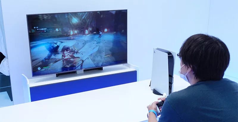 PS5, dal Giappone le prime foto reali. Tanti dettagli sulla console, nessuna foto dell'interfaccia grafica
