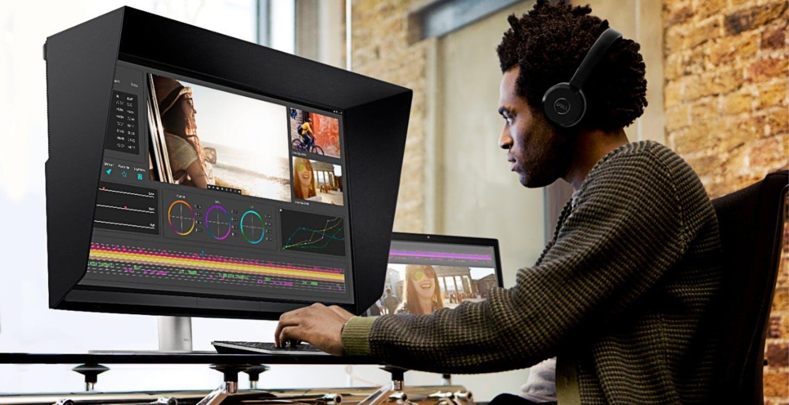 UltraSharp 32 HDR PremierColor 4K, il monitor di Dell con 2.000 zone Mini LED e colorimetro integrato