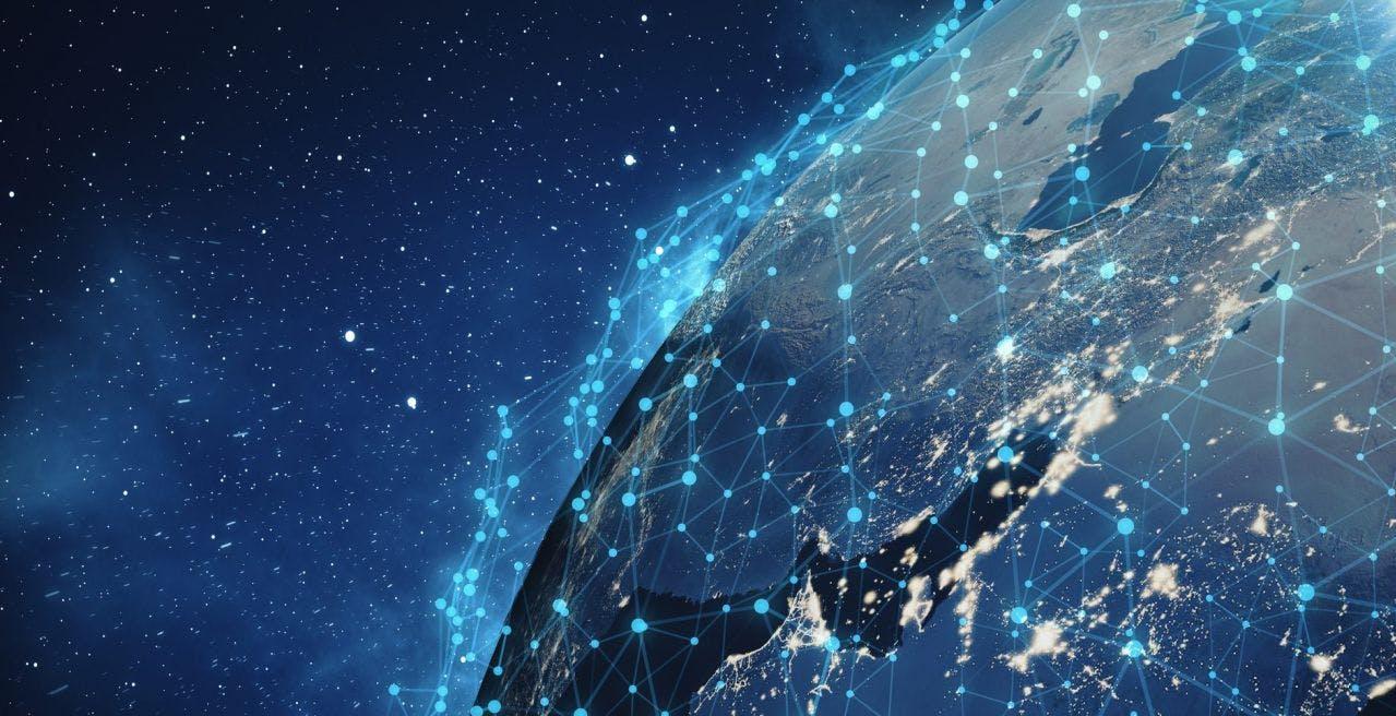 Internet dallo spazio, Elon Musk annuncia la beta pubblica. A breve potremo provare Starlink