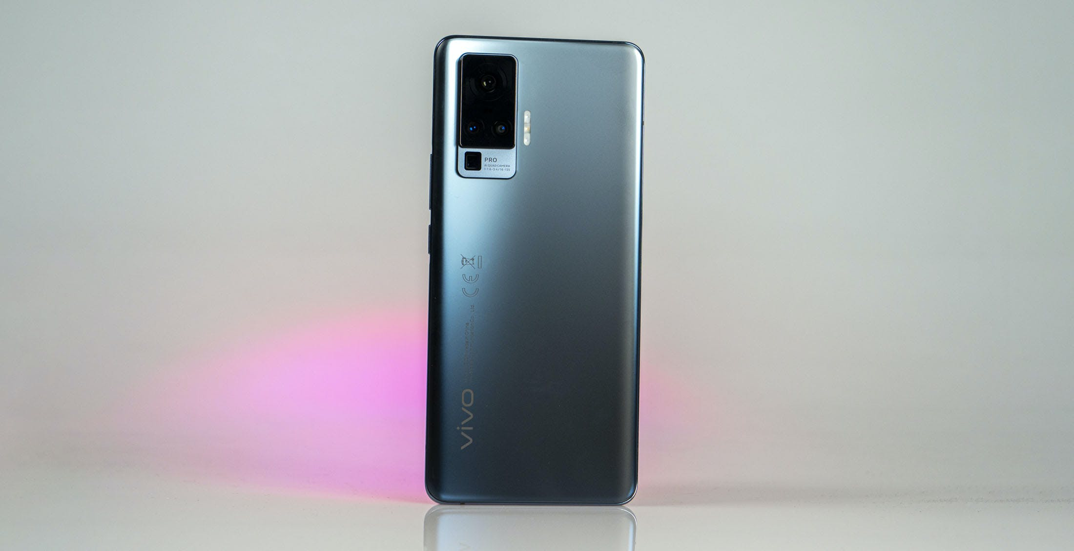 Anteprima Vivo X51 5G, debutta lo smartphone con gimbal