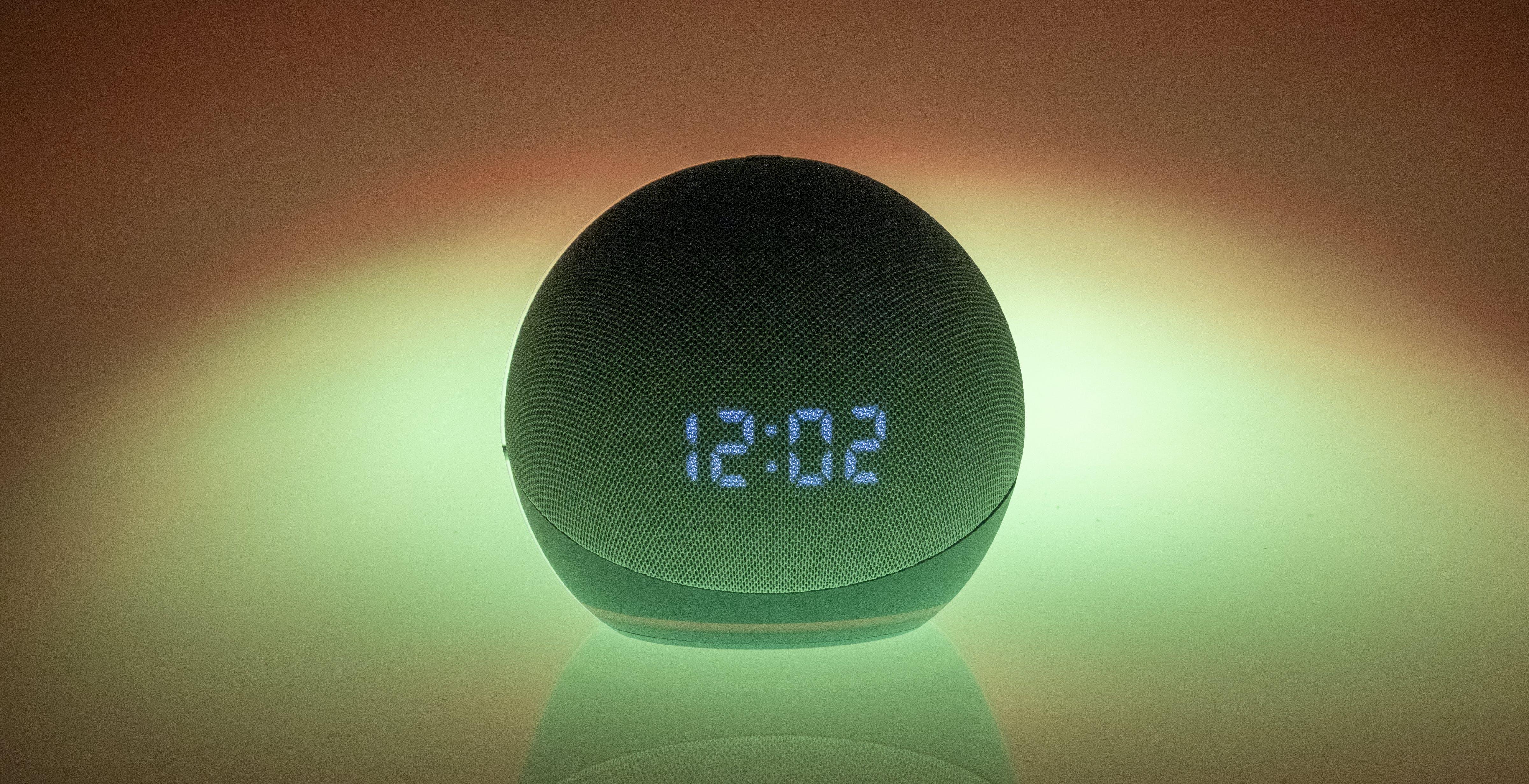 Amazon Echo Dot con orologio, recensione. Vale quel che costa