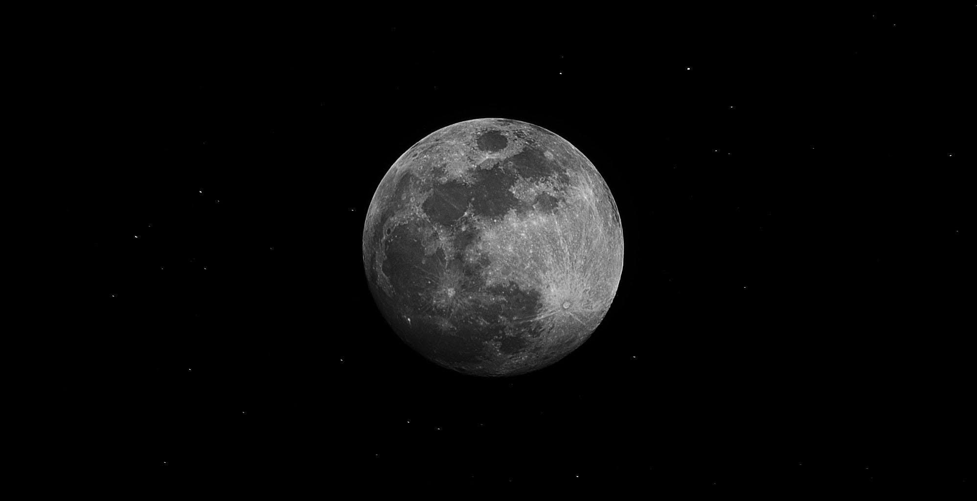 Cosa ha scoperto la NASA sulla Luna? Come seguire l'annuncio in diretta