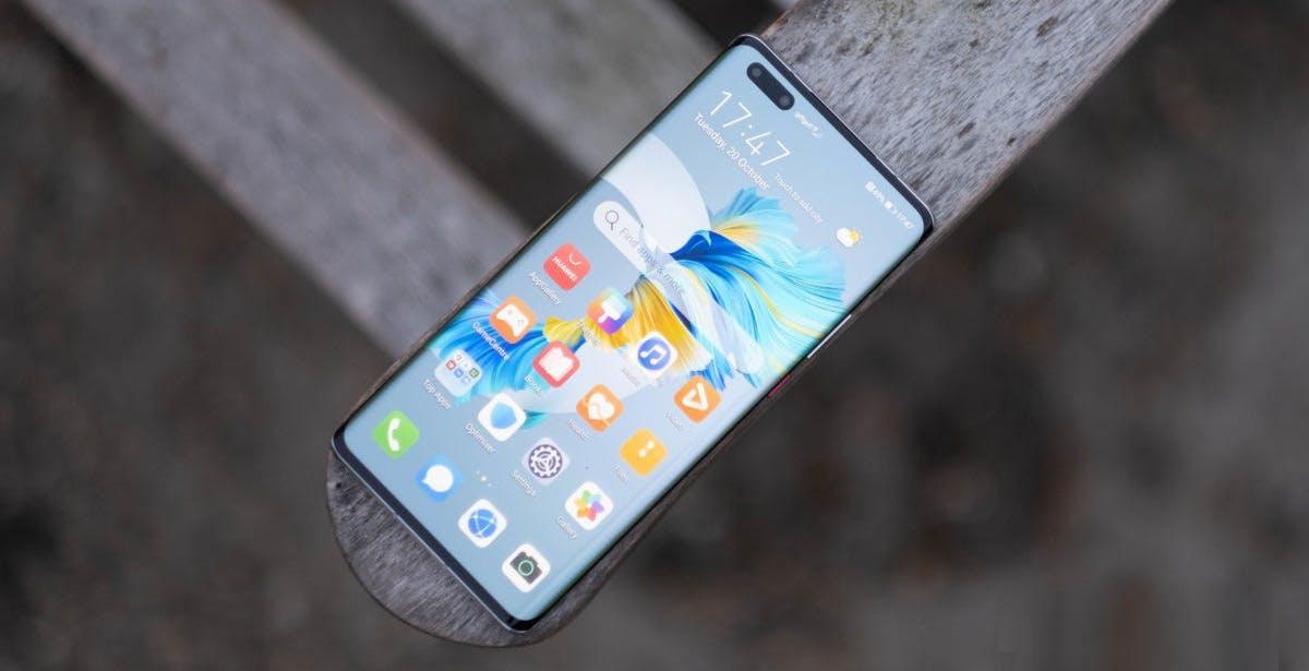 Huawei può finalmente ri-comprare gli OLED di Samsung. Gli Usa hanno concesso la licenza