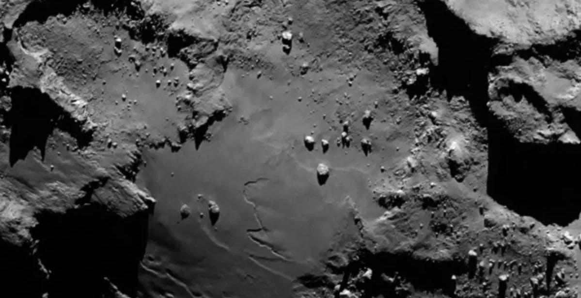 """Philae ha """"parlato"""". Sulle comete c'è ghiaccio di acqua pura e la superficie è più soffice della schiuma del cappuccino"""