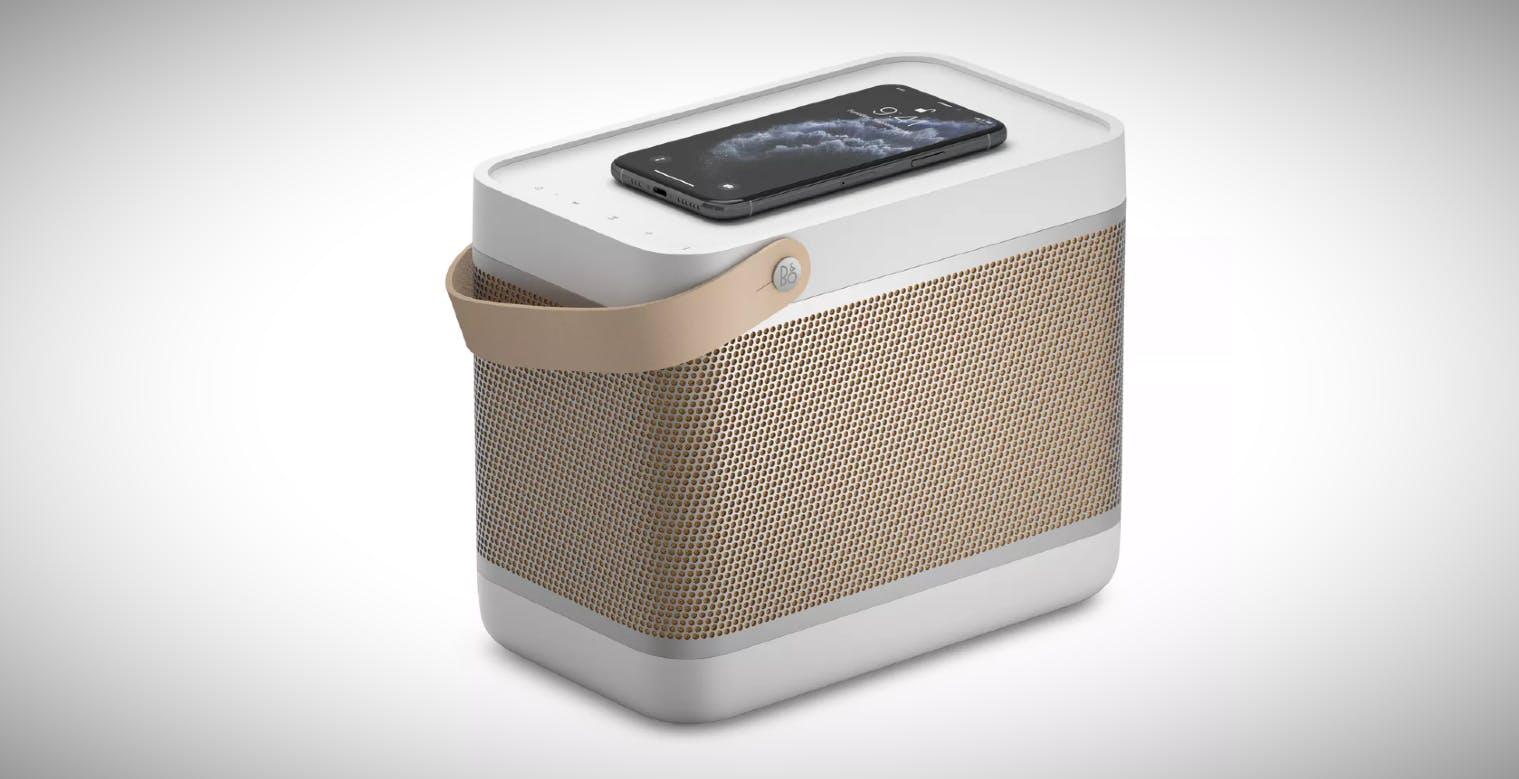 Beolit 20, il nuovo diffusore bluetooth di Bang & Olufsen, ha un pad di ricarica wireless integrato