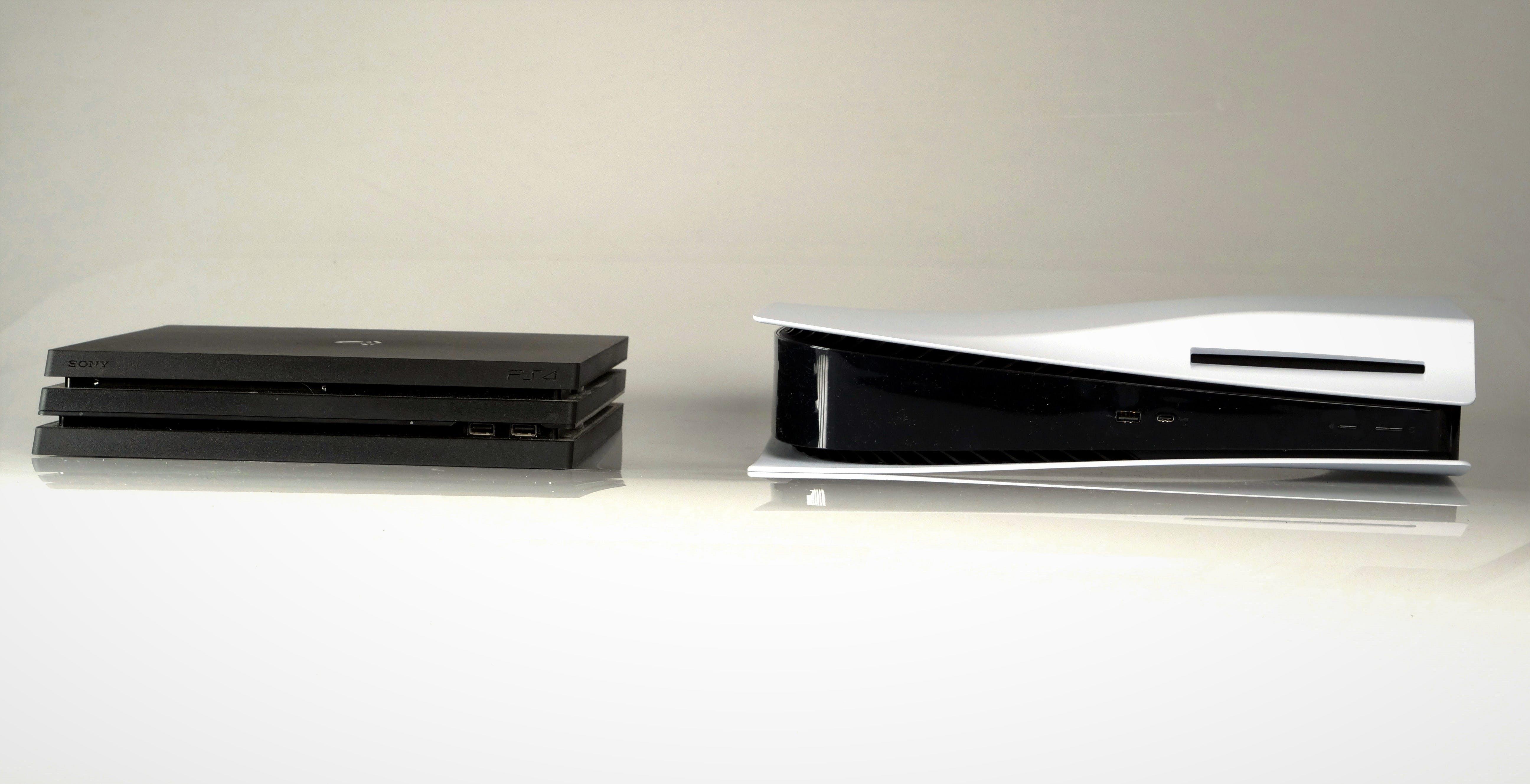 Ecco quanto è grande PS5 rispetto a PS4, PS4 Pro e Xbox Series X