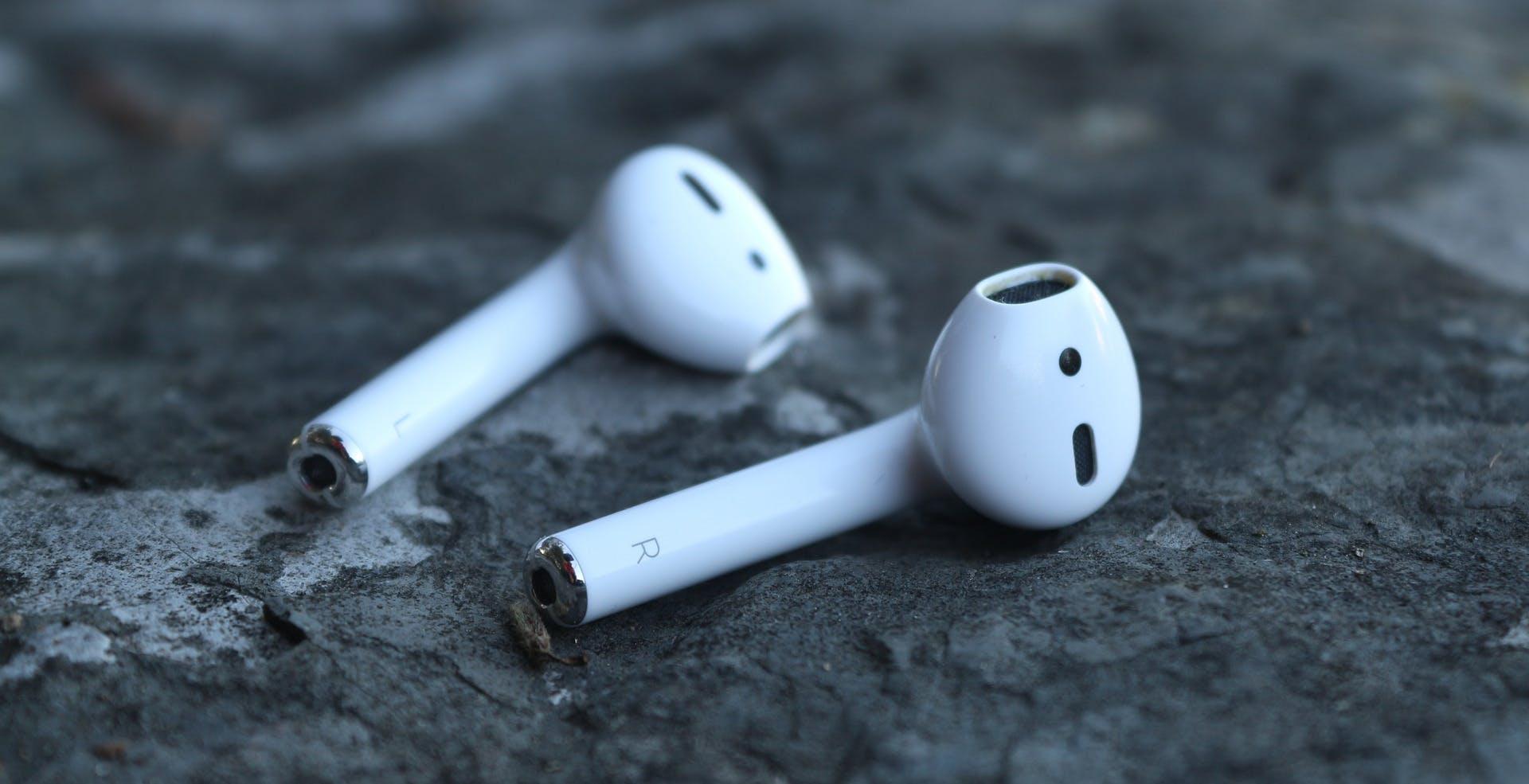 Troppi auricolari wireless persi sui binari: Panasonic ha creato un aspirapolvere per recuperarli