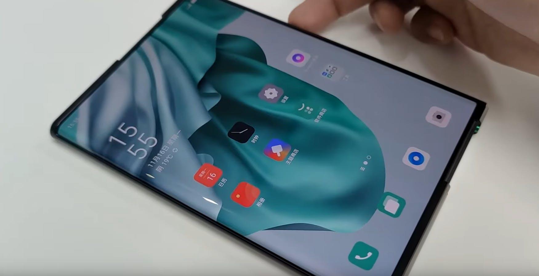Lo smartphone che si srotola e gli occhiali AR: uno sguardo al futuro di Oppo