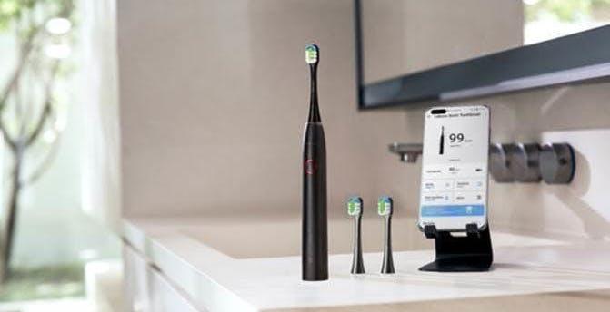 Ecco lo spazzolino elettrico connesso di Huawei: si chiama Lebooo e costa 69 euro