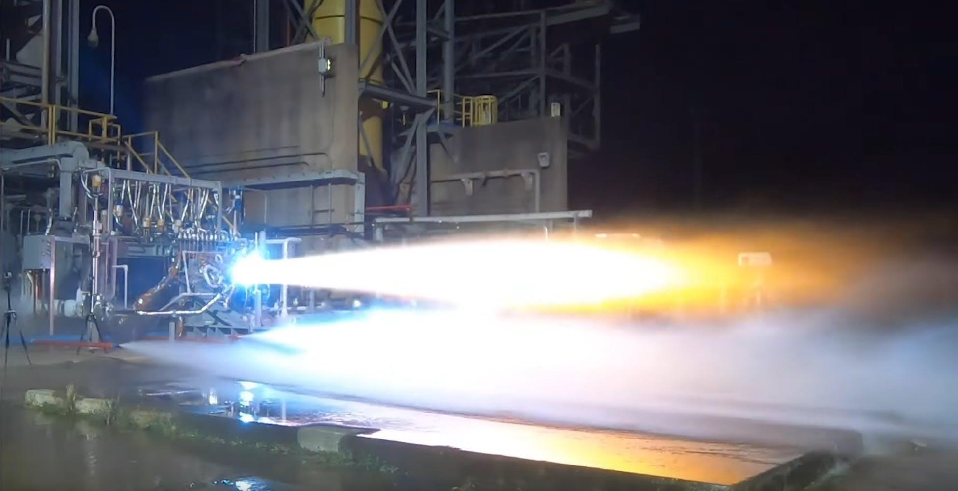 Test superato per il motore destinato al lander lunare di Jeff Bezos