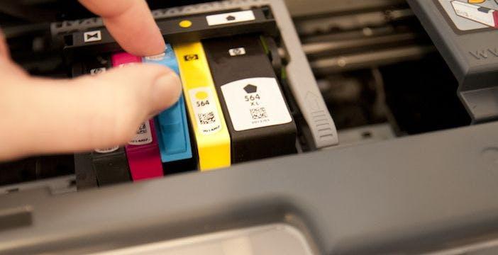 """Cartucce non originali bloccate su stampanti HP, Antitrust: """"Utenti non informati"""". Multa di 10 milioni di euro"""
