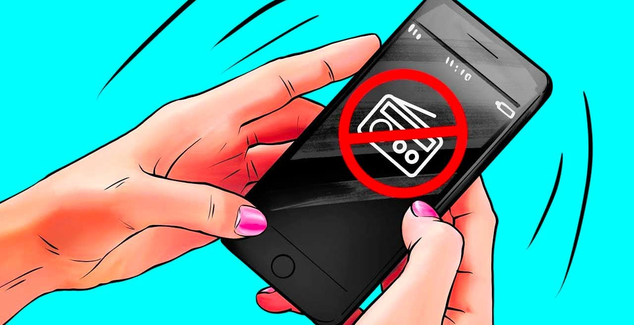 Samsung toglie la radio dagli smartphone degli utenti con un aggiornamento. Dovranno farlo tutti: è la legge (assurda)