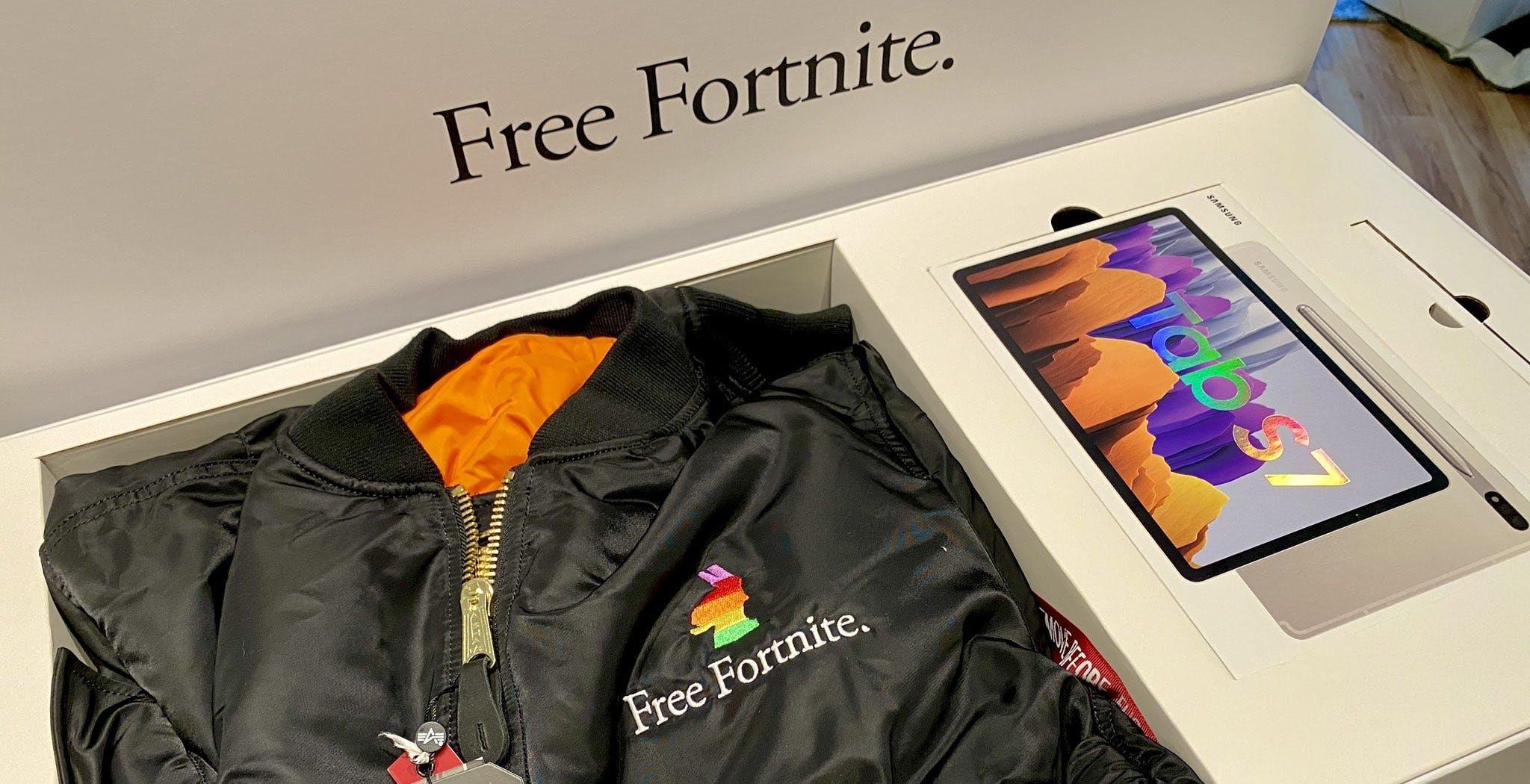 """Pacco regalo """"Free Fortnite"""": ecco come Epic e Samsung prendono in giro Apple"""