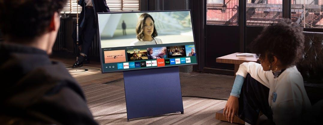 Samsung Sero in prova: il TV con lo schermo che ruota è uno sguardo sul futuro