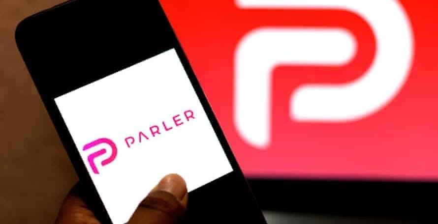 Il controverso social Parler ha un nuovo hosting ed è pronto a tornare online