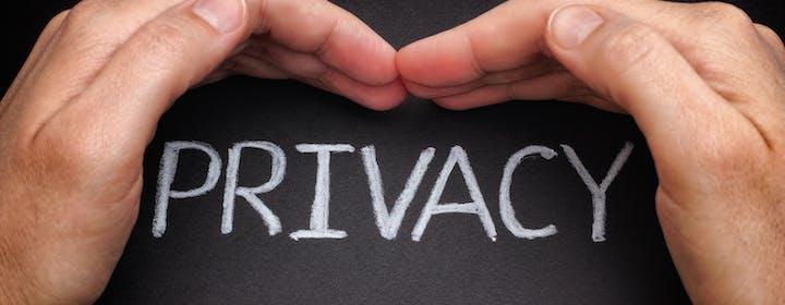 Il GDPR protegge davvero i dati degli utenti europei? Lo abbiamo chiesto a un esperto