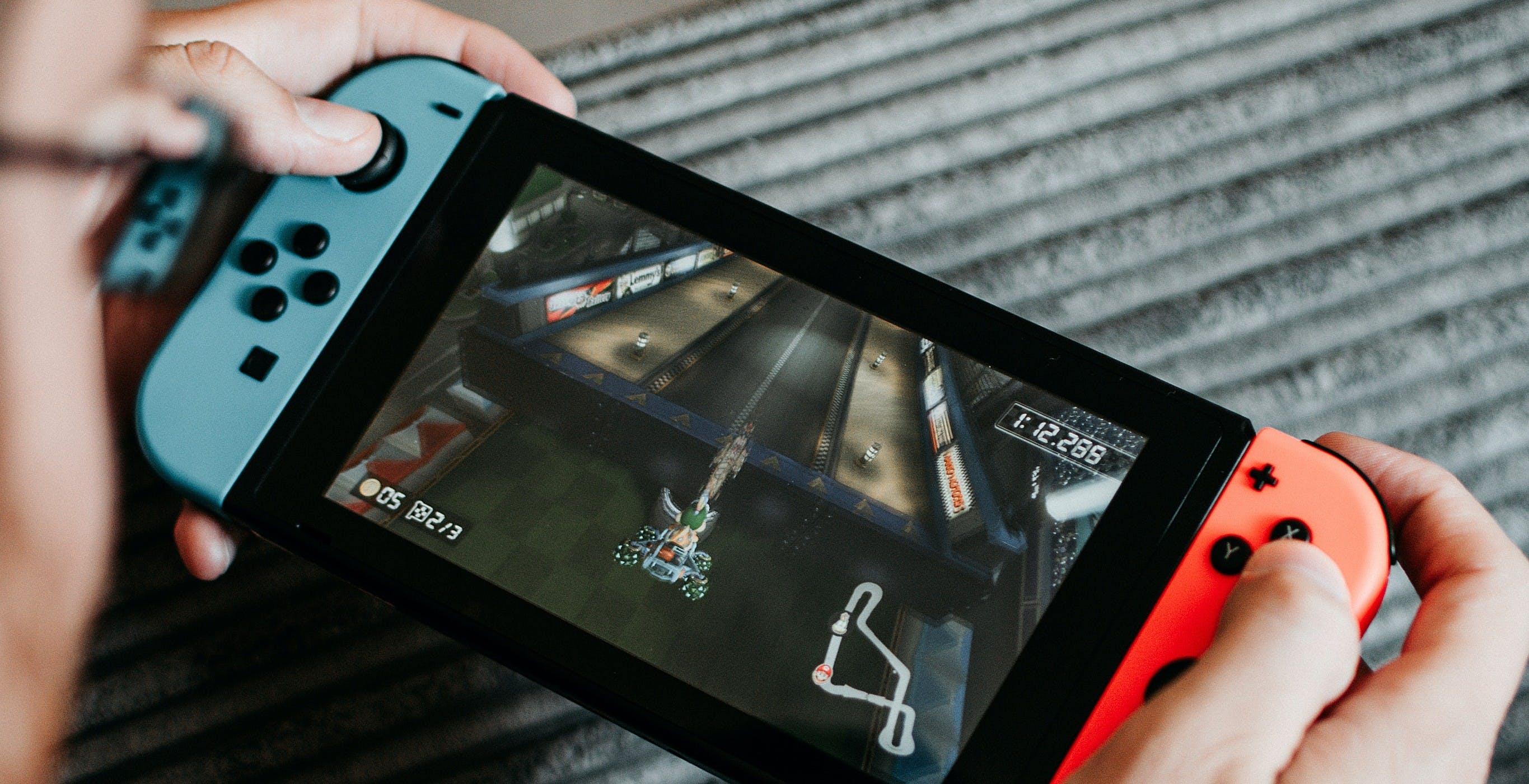 Nintendo Switch sta vendendo più velocemente di Wii, PS4 e PS2