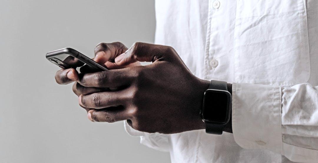 iPhone, con iOS 14.5 e un Apple Watch il Face ID funziona anche con la mascherina