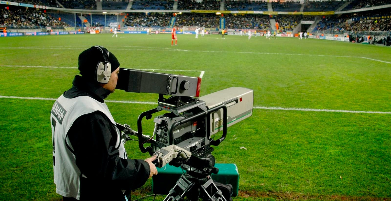 Le mani di Dazn e TIM sulla serie A. Nodo prezzo: la Lega non vuole il calcio a 9.90 euro