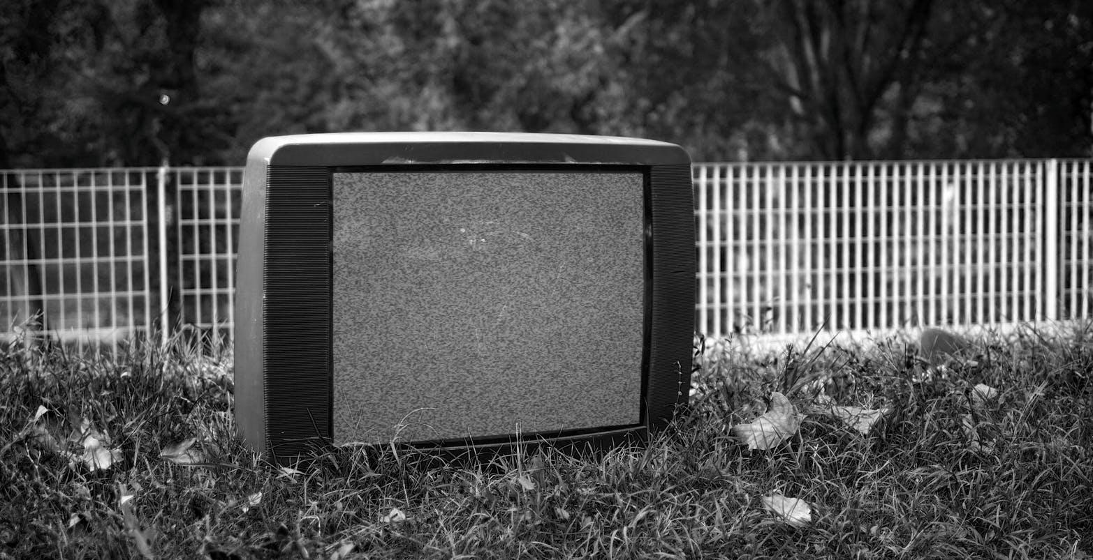 Mercato TV verso l'Armageddon: switch-off e crisi dei semiconduttori preparano la tempesta perfetta