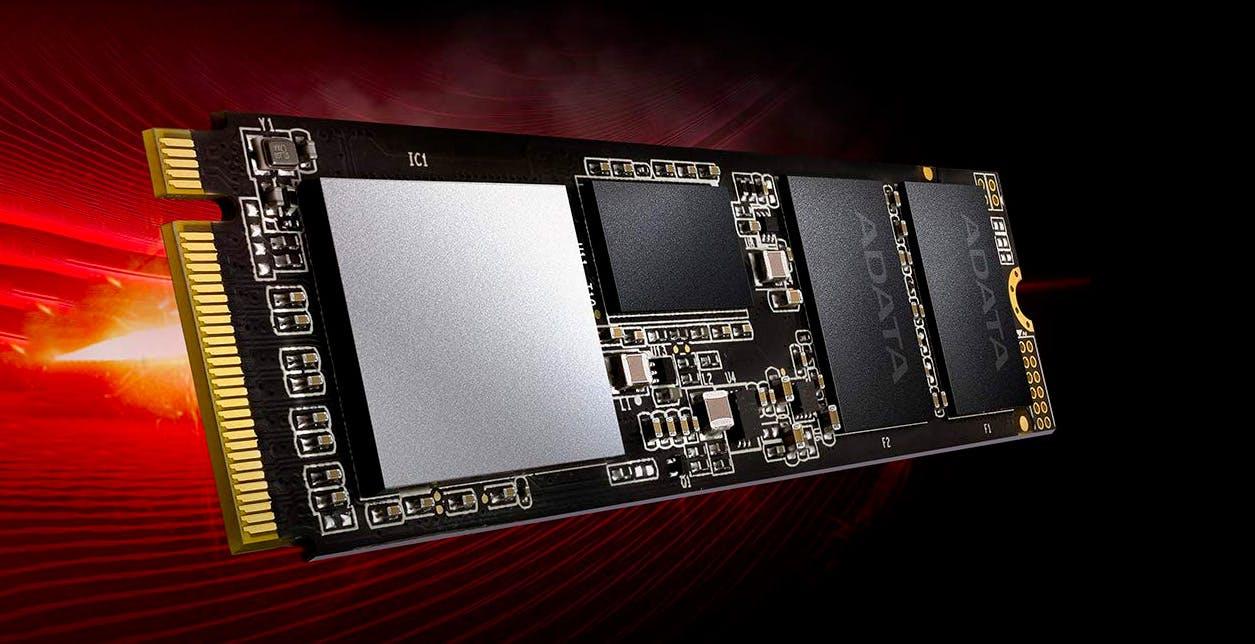 XPG SX8200, stesso nome, stesso codice ma prestazioni diverse. Il caso del disco SSD che in un anno è peggiorato tre volte