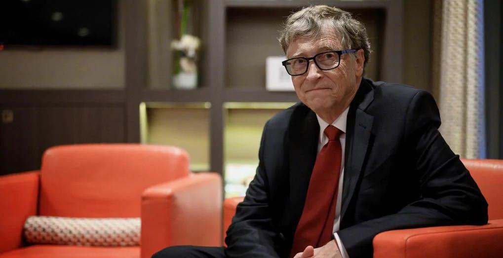 """Bill Gates sul cambiamento climatico: """"Bene le auto elettriche, ma la mobilità è solo un terzo del problema"""""""