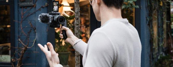 La EOS M50 Mark II arriva in Italia. Secondo Canon è perfetta per Twitch e YouTube, ma abbiamo qualche dubbio