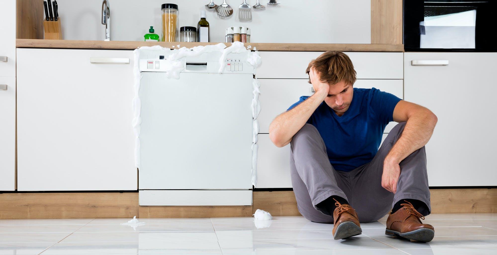 TV, lavatrici, frigoriferi e lavastoviglie, da oggi nuove regole che facilitano la riparazione. Sorridono solo le aziende