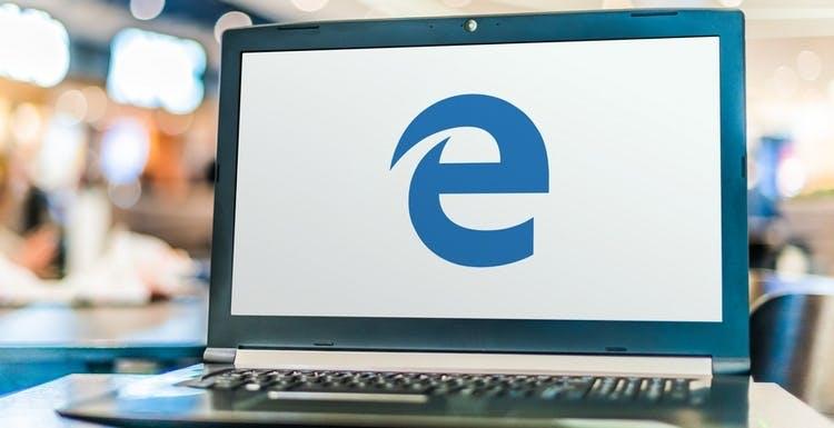 Addio alla vecchia versione di Edge: Microsoft cessa il supporto, basta aggiornamenti