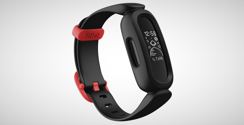 Fitbit Ace 3, il tracker per bambini che monitora sonno e attività. In vendita a 79 euro