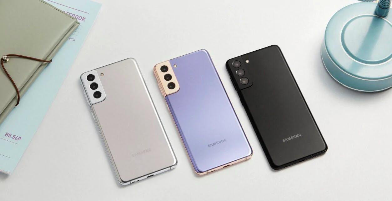Samsung chiarisce la sua politica: dopo 4 anni, smartphone vengono aggiornati due volte l'anno