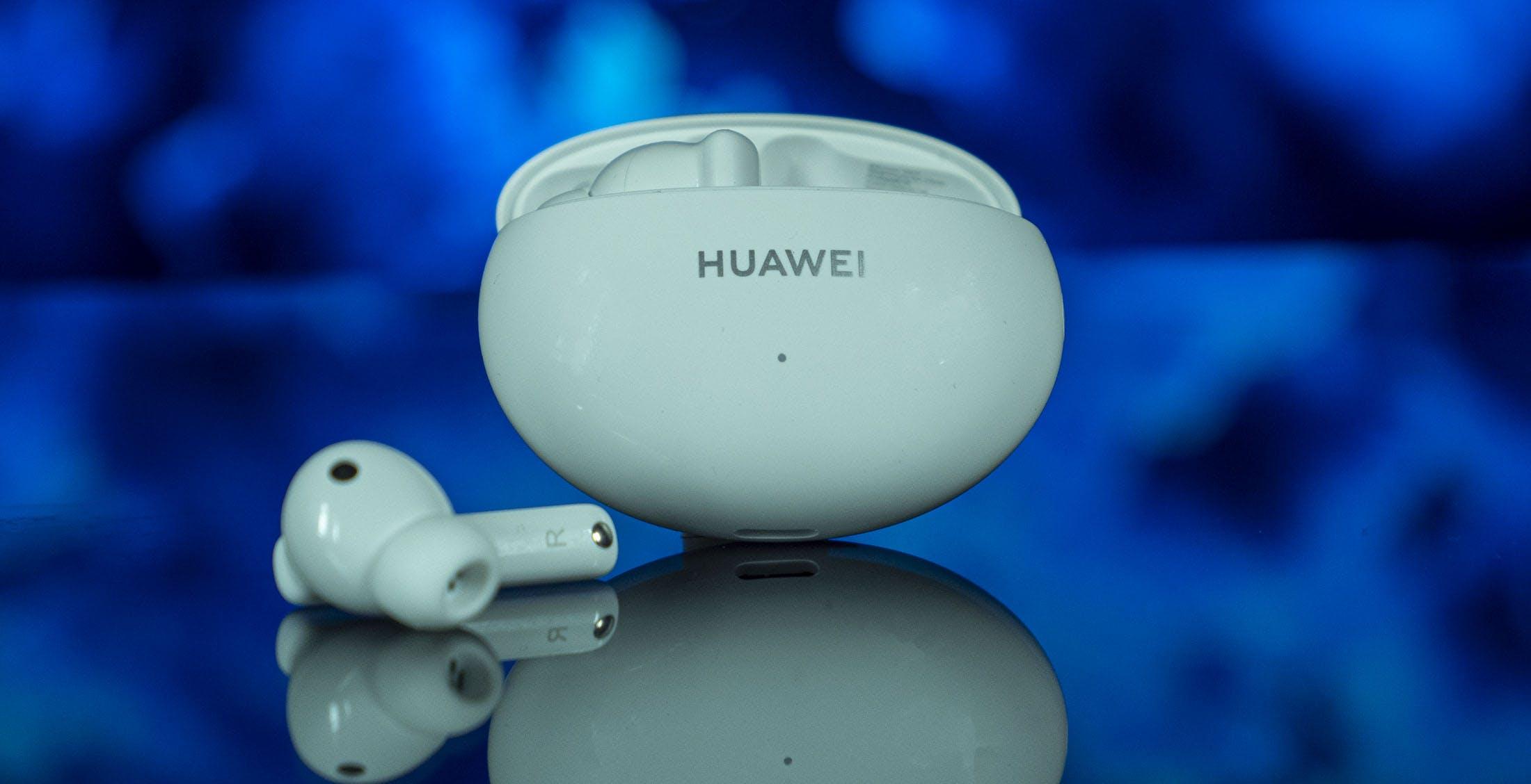 Huawei FreeBuds 4i, recensione. Costano solo 89 euro, ma la cancellazione del rumore è un miraggio