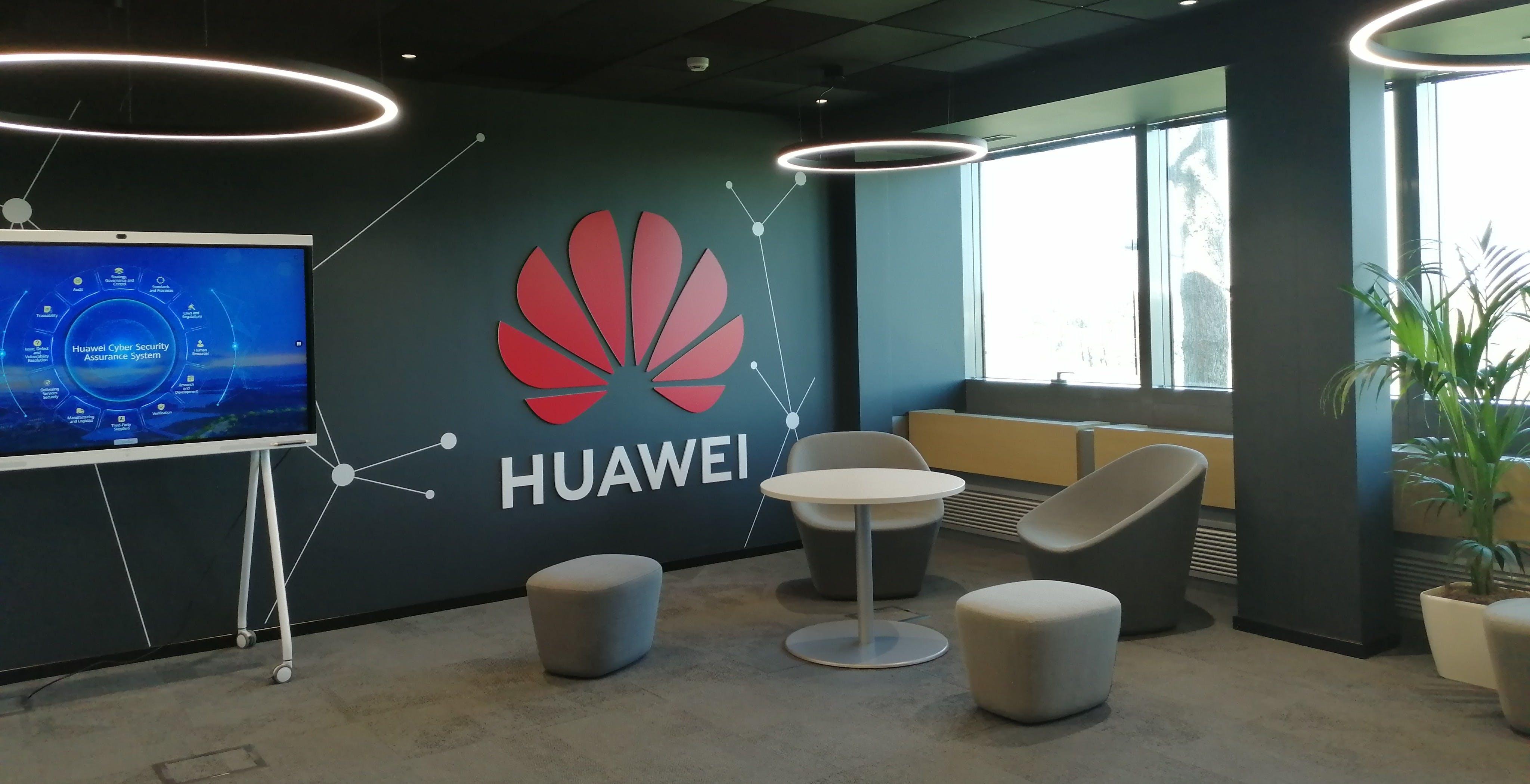 """Huawei, aperto il centro di cybersecurity a Roma. De Vecchis: """"Lasciamo stare le controversie geopolitiche"""""""