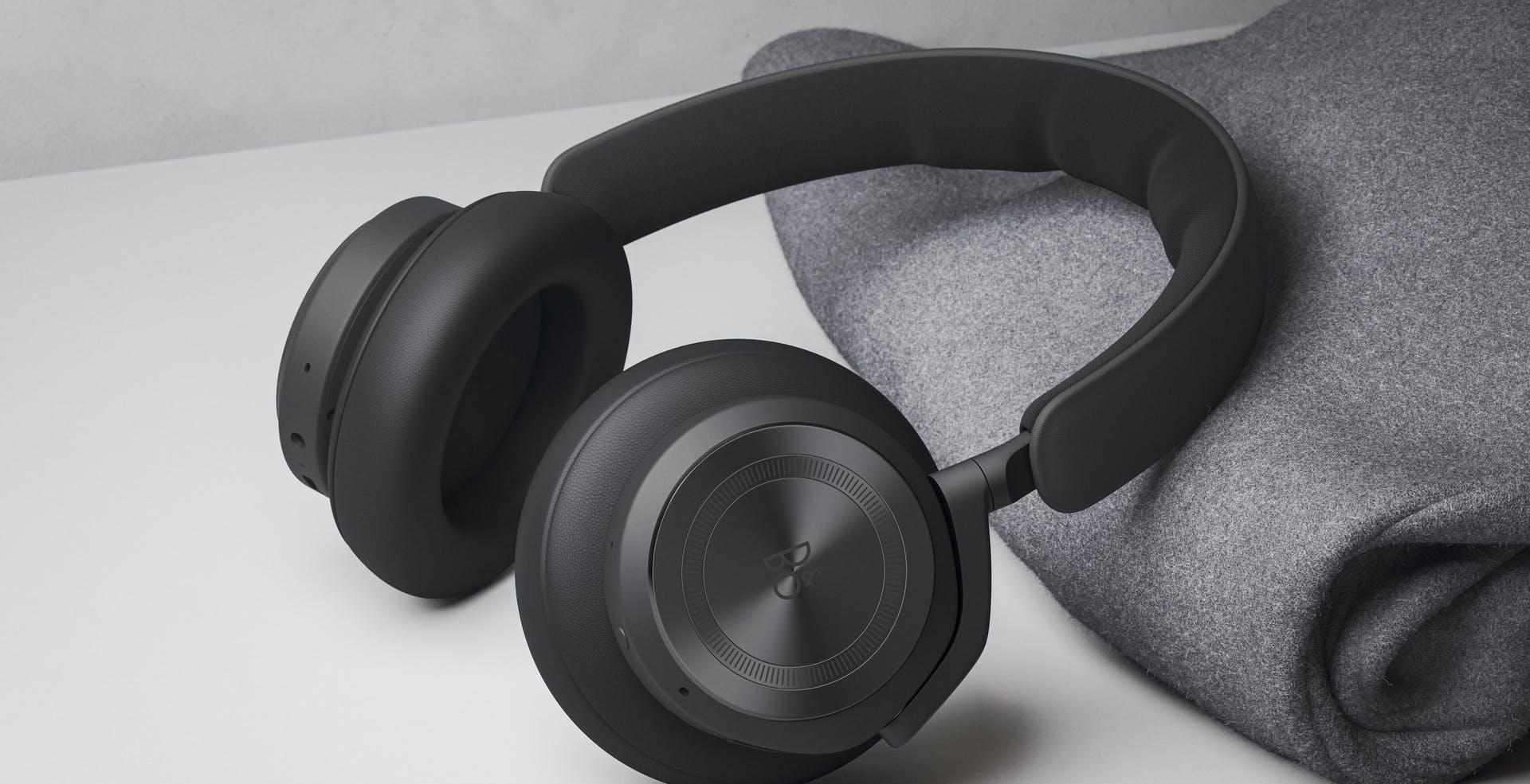 Bang & Olufsen Beoplay HX, le cuffie con riduzione del rumore e 35 ore di autonomia