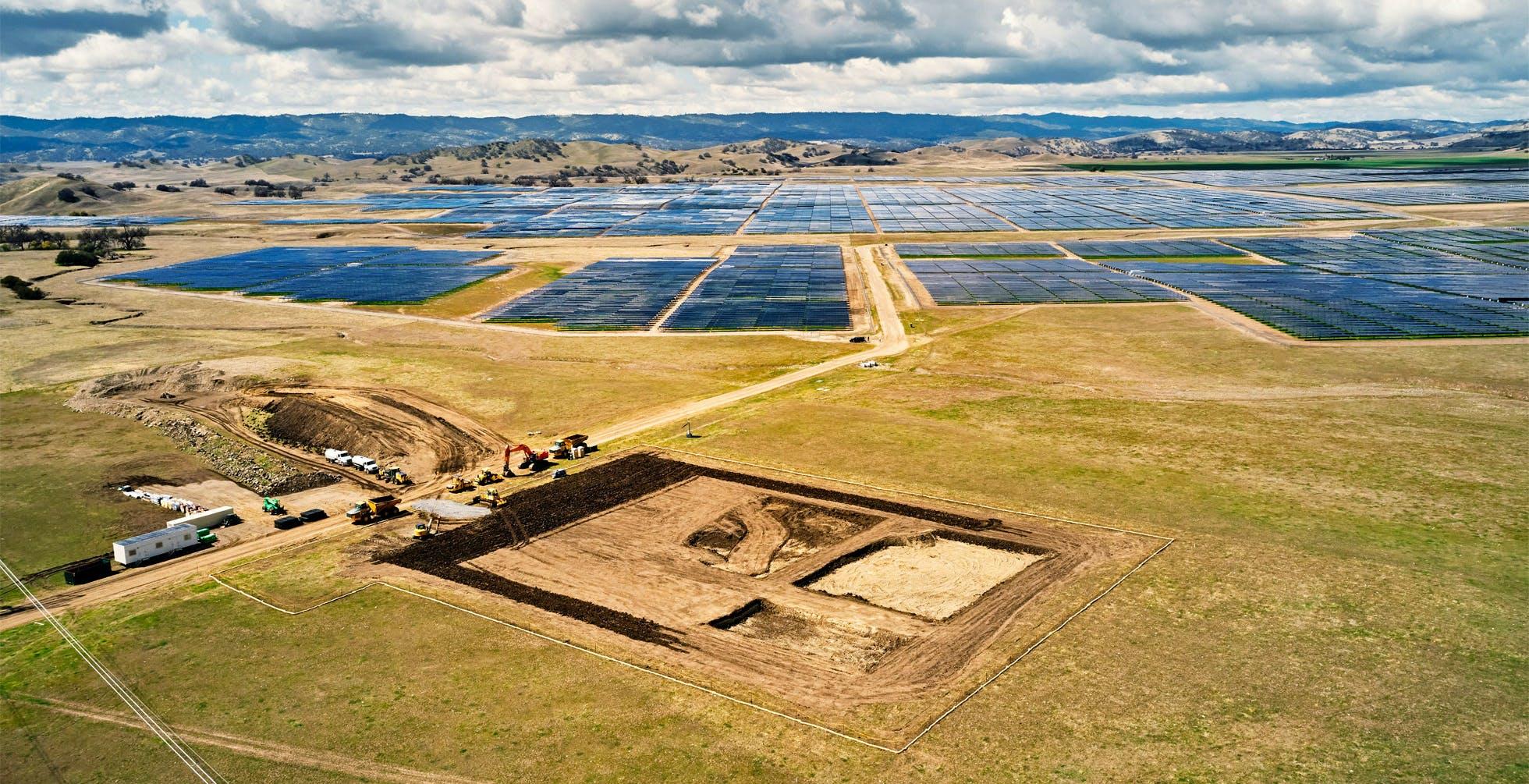 Apple sta costruendo una batteria gigante per immagazzinare l'energia solare: può alimentare una piccola città