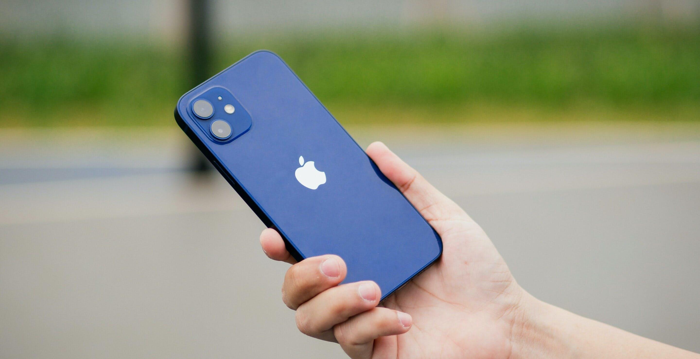 iPhone 12 re delle vendite a gennaio. Sei dei 10 smartphone più venduti sono Apple