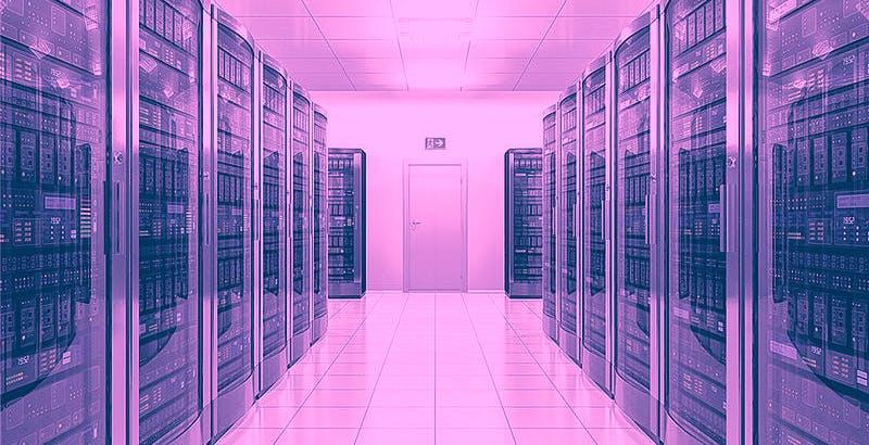 """Un pazzo voleva far esplodere alcuni data center di Amazon per """"distruggere il 70% di internet"""". Arrestato dall'FBI"""