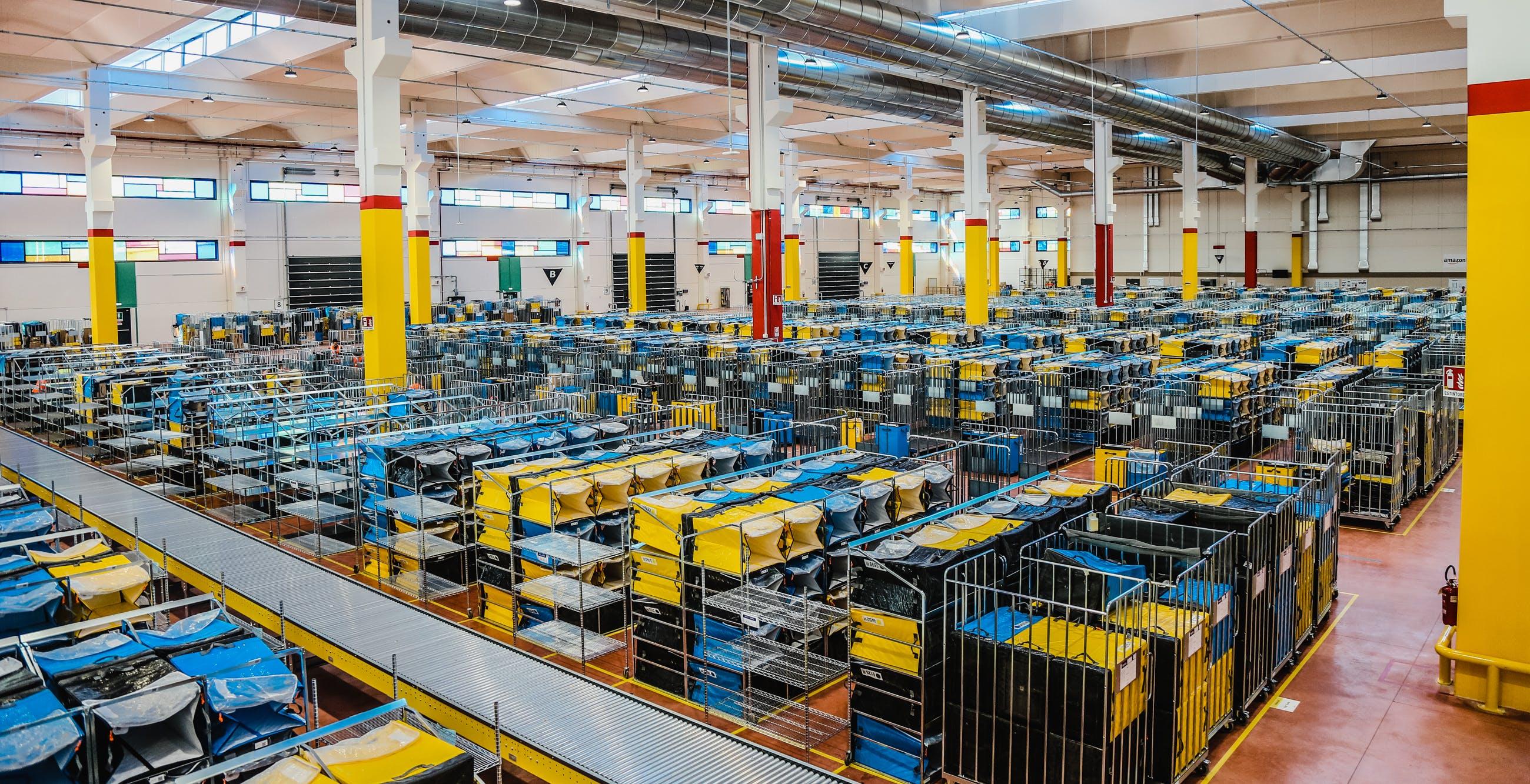 Amazon apre in Veneto 3 nuovi centri logistici. Consegne più veloci e posti di lavoro