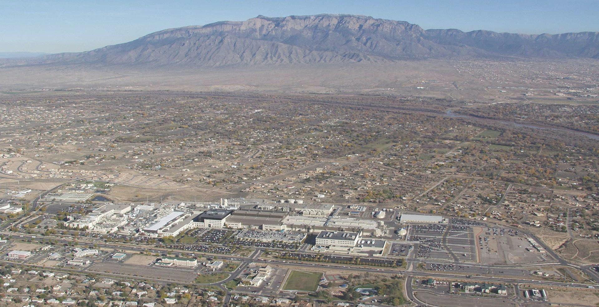 Intel investe in Israele e New Mexico: decine di miliardi di dollari per aumentare produzione e ricerca