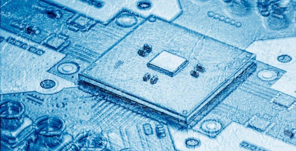 """Computer quantistici più potenti: Intel ha risolto il """"collo di bottiglia"""" dell'informatica quantistica"""