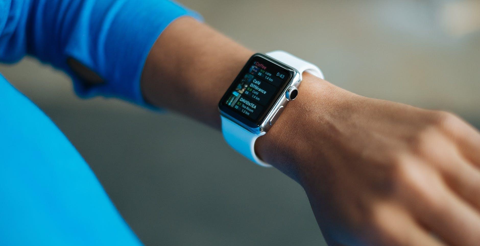 Cresce il mercato smartwatch: +35%. Un terzo è di Apple