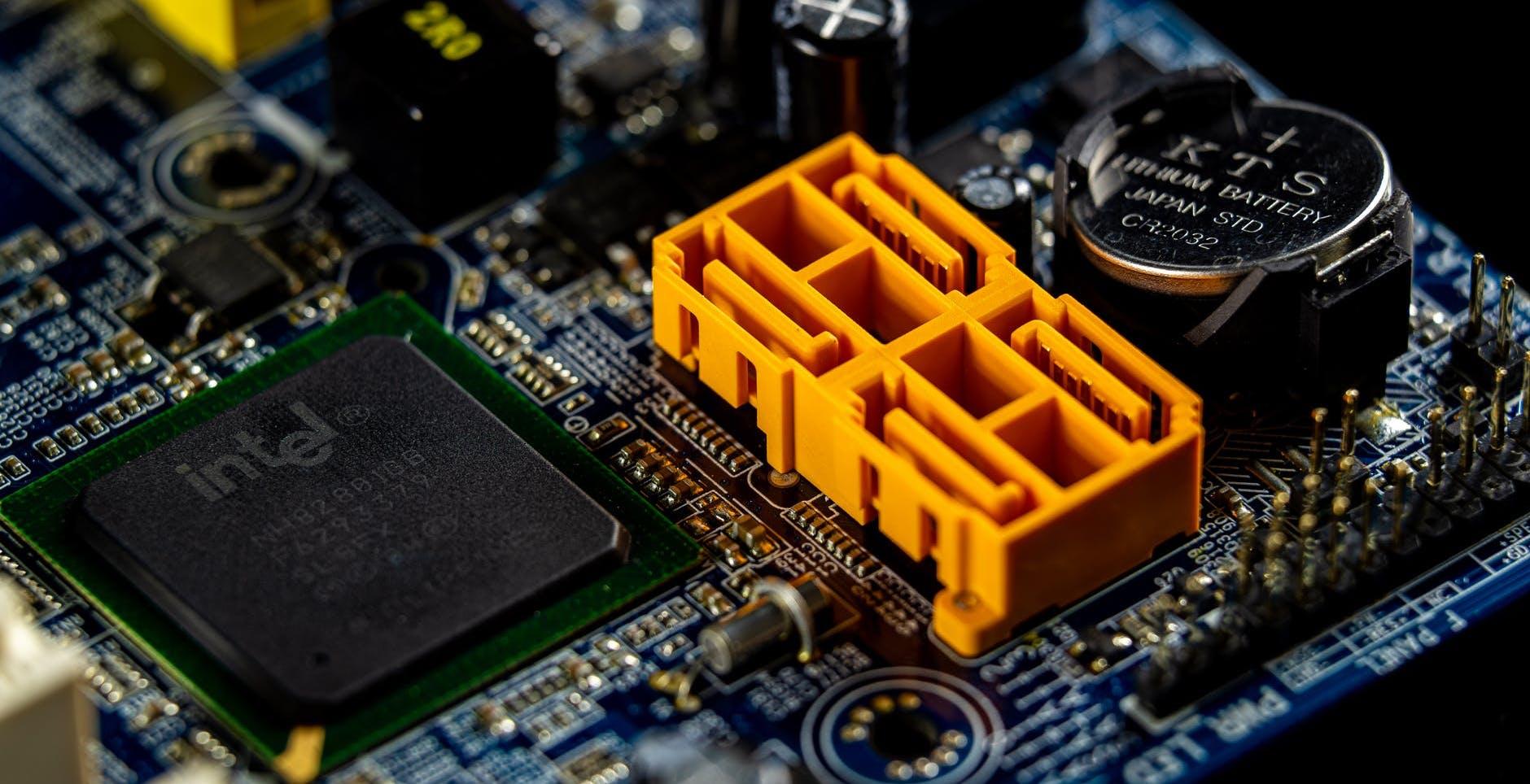 Intel avverte: la crisi dei chip potrebbe durare ancora per anni