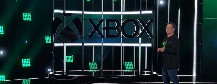 La sfida fra PlayStation e Xbox: blockbuster milionari contro la scommessa dell'abbonamento