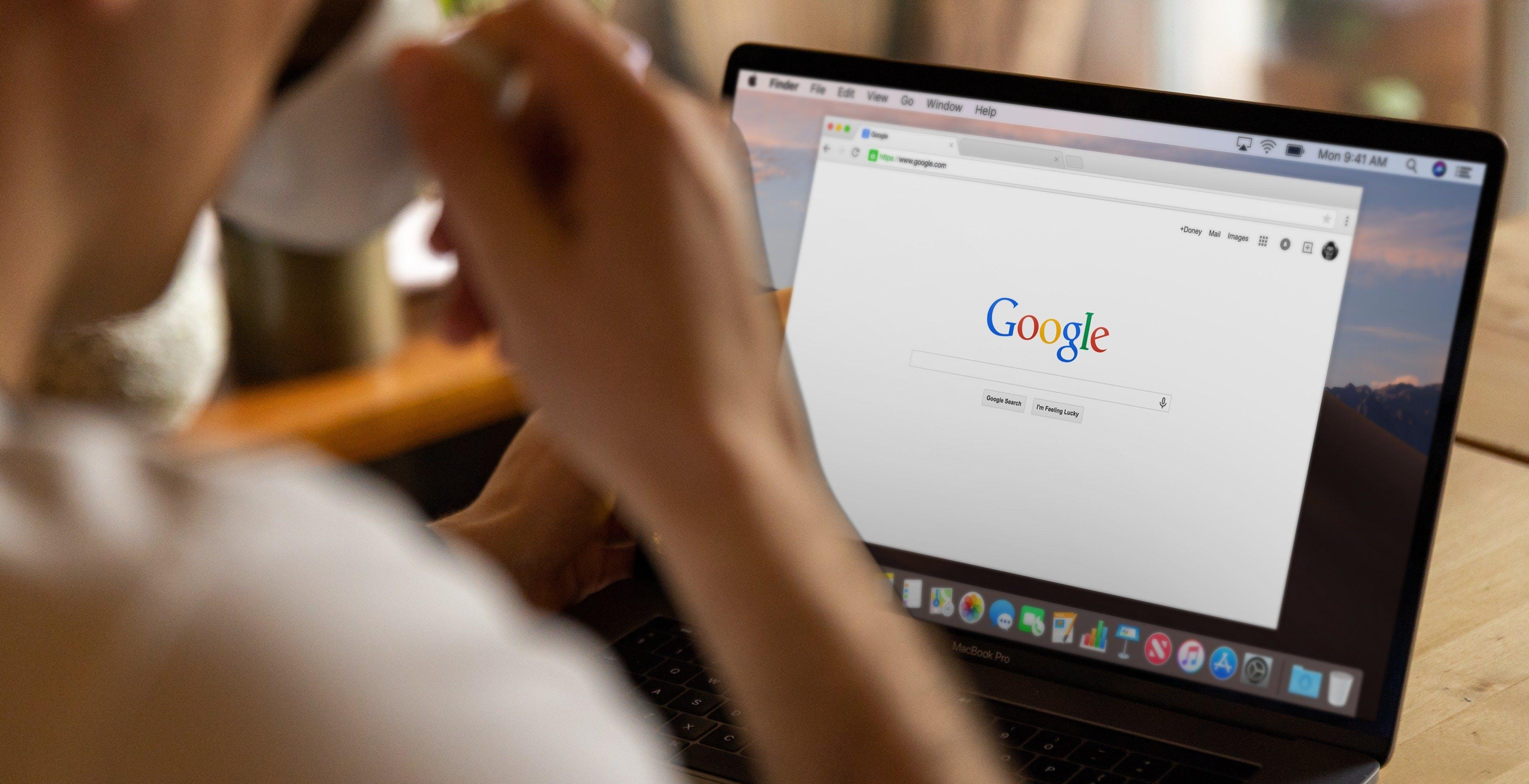 """Privacy Sandbox, Google promette: """"Nessun trattamento preferenziale per i nostri prodotti"""""""